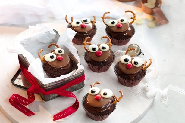 2016-12-08-cakes-01